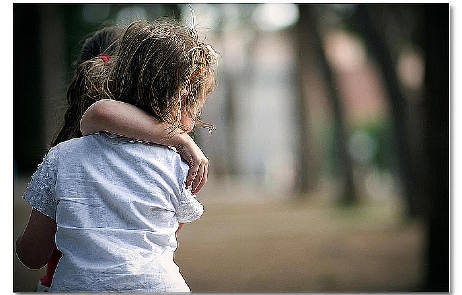 Trauma. Jak dziecko może pomóc rodzeństwu