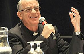 Ks. Lombardi: Synod, który służy wszystkim