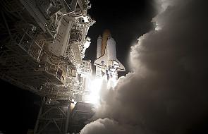 Kosmiczny spacer załogi wahadłowca Discovery