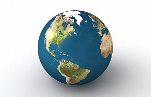 """Naukowcy """"odmłodzili"""" Ziemię o 70 mln lat"""