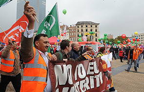 Demonstracja przeciwko cięciom budżetowym