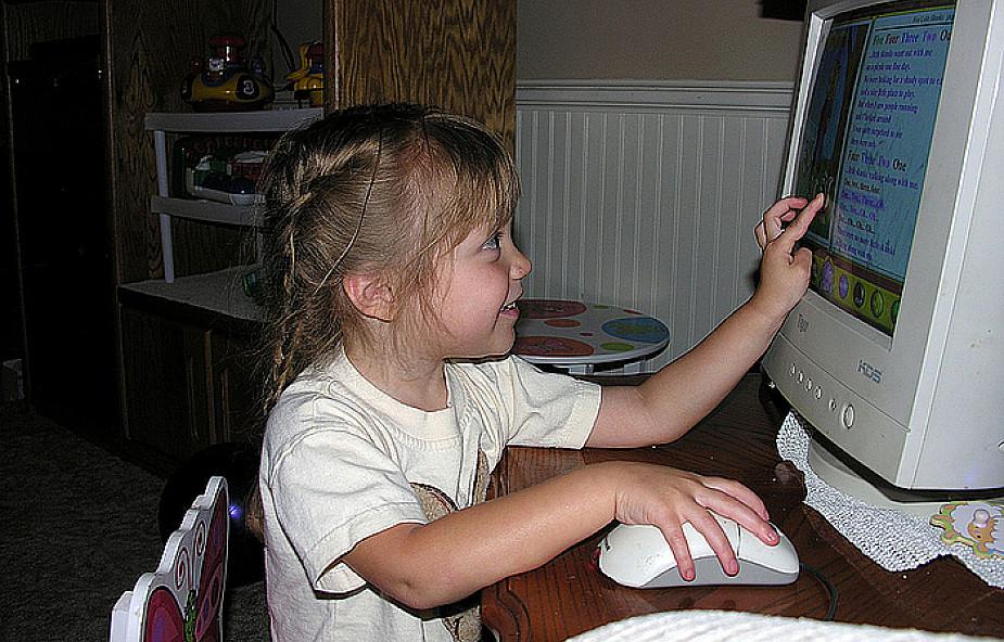 Toruń rozdaje komputery z Internetem za darmo