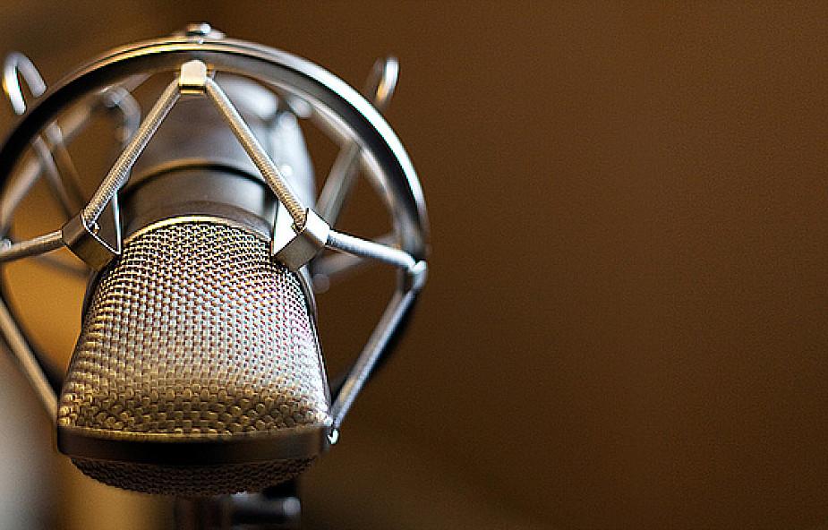 Służyć Bogu przy mikrofonie