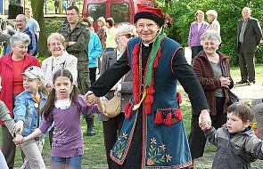 Bp Długosz śpiewał i tańczył z dziećmi
