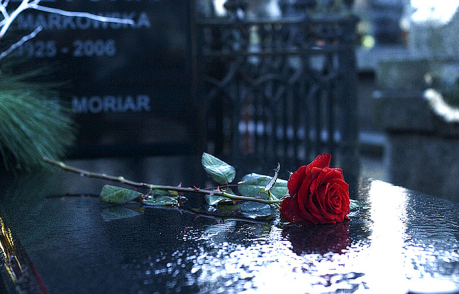 Dlaczego modlimy się za zmarłych