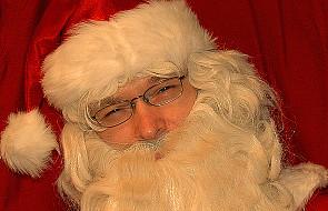 Miliony listów do św. Mikołaja zasypują pocztę