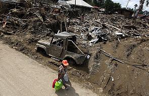 Filipiny: Ponad tysiąc zaginionych po powodzi