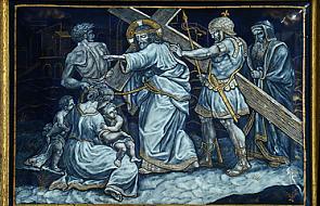 Stacja VIII -Pan Jezus przemawia do płaczących niewiast