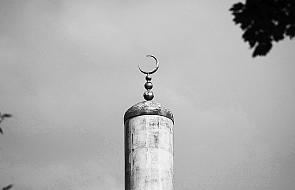 """Brytyjskie meczety """"oazą dla ekstremistów"""""""