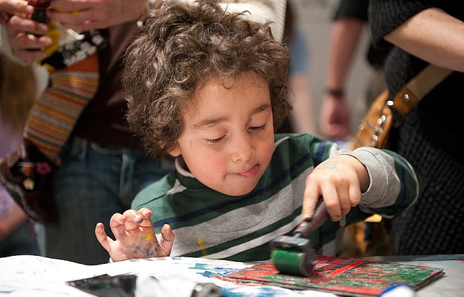 Wychowywać dzieci przez sztukę?