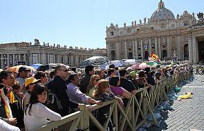 Tysiące ludzie w kolejce do relikwii Jana Pawła II