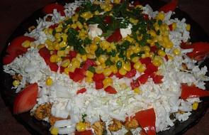 Sałatka Gyros z kurczaka - warstwowa