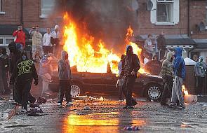 Belfast - spalono flagi Watykanu i Polski