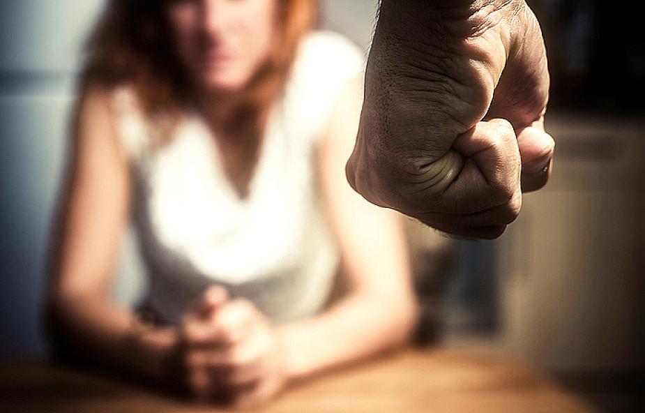Gwałt w małżeństwie i 10 innych mitów o przemocy
