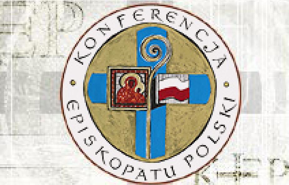 Biskupi: Kościół ma służyć dziełu wychowania