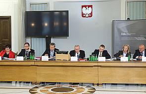 Komisja śledcza ds. nacisków przyjęła raport