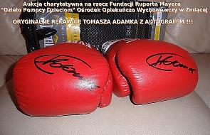 Rękawice T. Adamka na aukcji charytatywnej