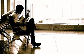 Słuchanie muzyki przynosi ulgę w bólu