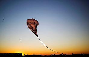 Kaskader z Austrii skoczy ze stratosfery