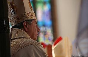 Abp Dzięga: katolik nie może popierać in vitro