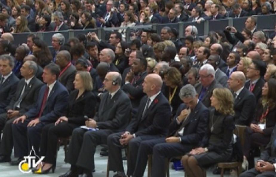 Papież o zwalczaniu przestępczości i terroryzmu