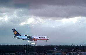 Szefowie linii lotniczych o kontroli emisji CO2