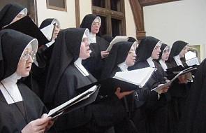 """""""Rz"""": Czy żeńskie klasztory opustoszeją"""