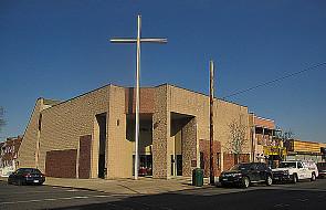 Zbyt wiele kościołów przypomina sakralny garaż
