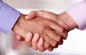 CBOS: Stawiamy na solidarność międzyludzką