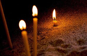 Światło przyszło na świat - J 3, 14-21