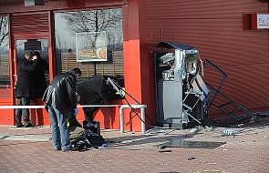 Wysadzono bankomat i skradziono pieniądze