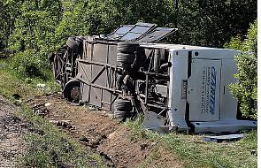 Wypadek autokaru, zablokowana DK 9