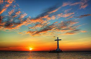 W czym wyraża się apostolskość Kościoła?