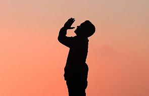 Prośba za innych. Dlaczego Bóg chce tej modlitwy i jak ją rozumieć?