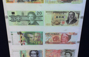 Włochy: wystawa fałszywych pieniędzy