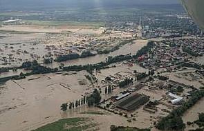 Rosja: prawie sto ofiar śmiertelnych deszczy