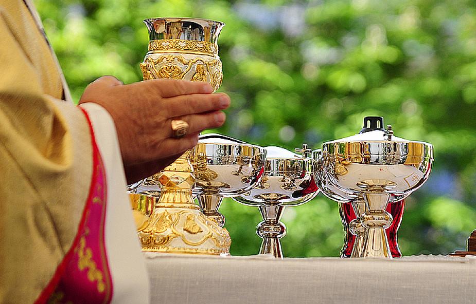 Jak celebrujemy misterium paschalne Chrystusa?