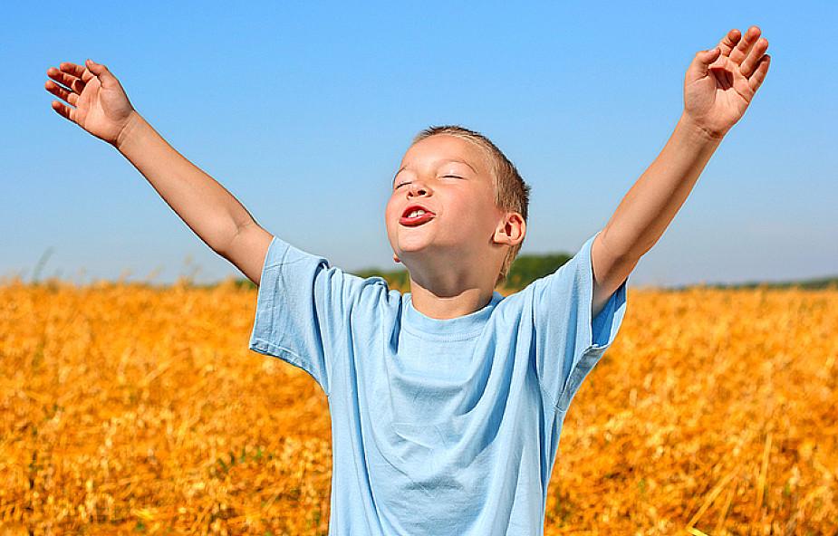 """Jak """"uczymy"""" dzieci modlenia się - świadectwo"""