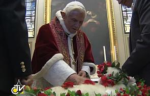 Watykan: papież pobłogosławił baranki
