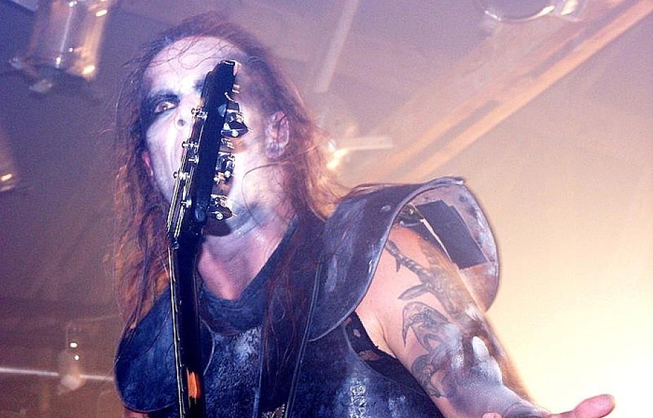 Podpalone krzyże na koncertach Behemotha
