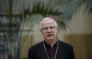 Solidaryzują się z abp. Józefem Michalikiem