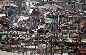 Po przejściu tajfunu apele do świata o pomoc