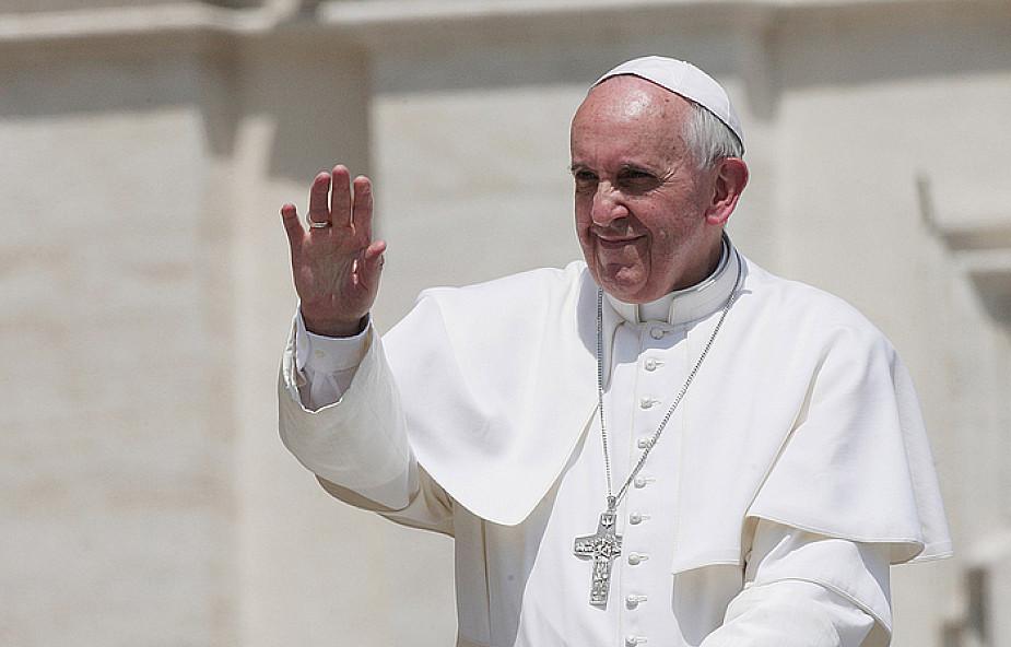 Papież o odpuszczeniu grzechów przez chrzest