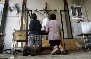 Abp Skworc: wesprzyjmy Filipińczyków