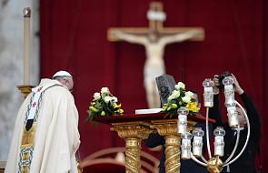 Papież: Jezus w centrum radości i zbawienia
