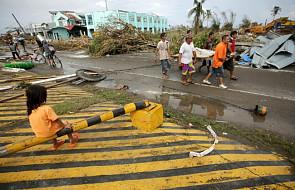 Filipiny: co najmniej 1200 ofiar tajfunu