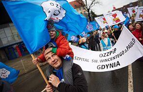 Manifestacja trzech związków zawodowych