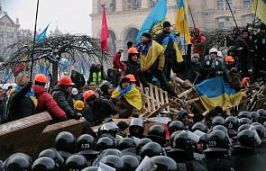Kijów: Demonstranci odbudowali barykady