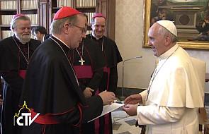 Papież: Wspierajcie ofiary nadużyć seksualnych