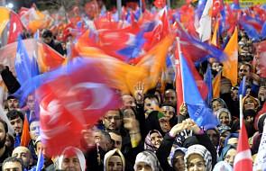 Unia zaniepokojona skandalem w Turcji